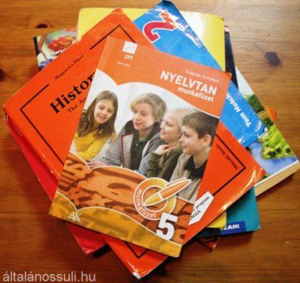 Szeptembertől minden általános iskolás ingyen kaphat tankönyvet?