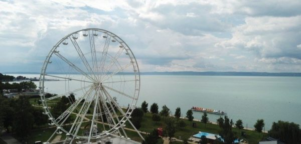 50 méteres óriáskerékkel ünnepli 50. évfordulóját Siófok